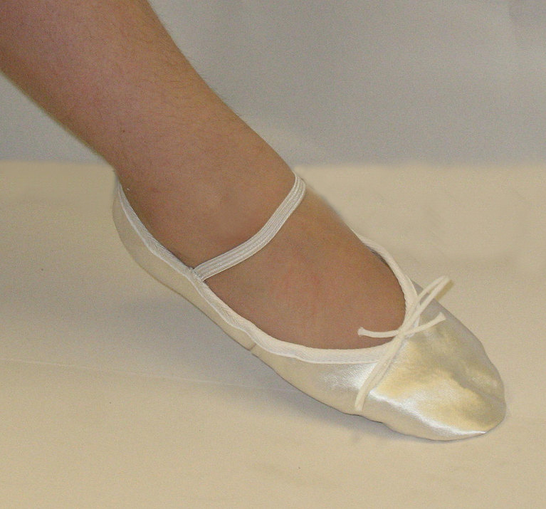 cm Pink Satin Ribbon Dance Ballet Pointe Shoes. £ 50cm Pale Pink Elasticated Fishnet Elastic Dance Ballet Pointe Shoes. £ Black Canvas Split Sole Ballet Shoes All Sizes. £ Ivory Satin Suede Full Sole Ballet Shoes All Sizes. £