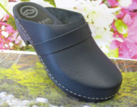 Clogs in navy colour upper now on clearance sale