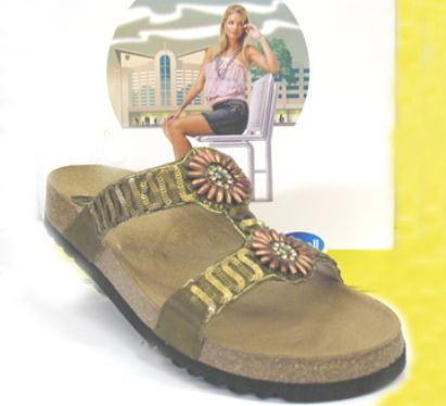 Scholl foot bed style sandal for women